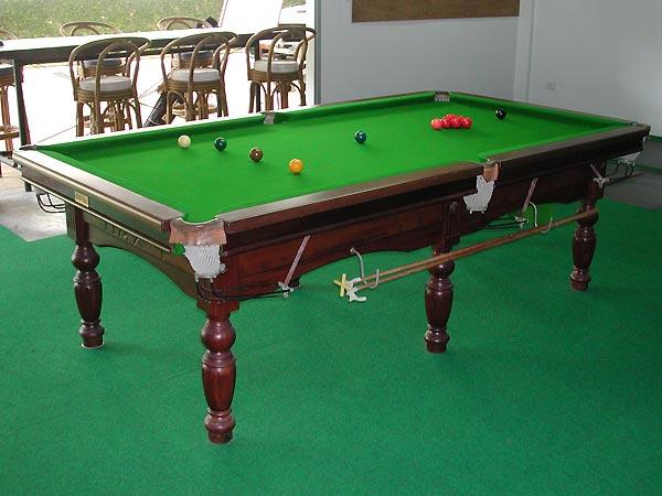 4 foot billiard table 1